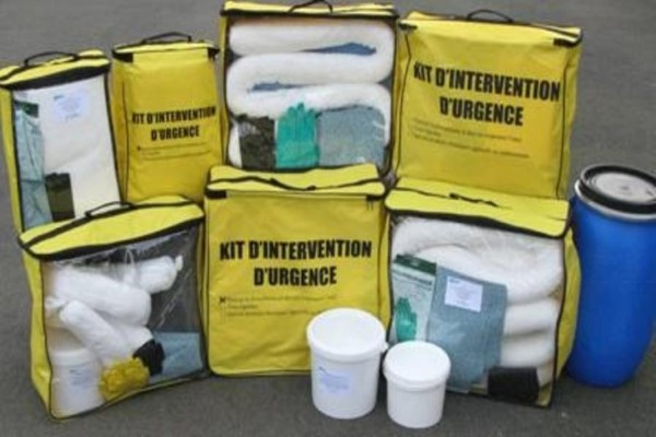 Kit d'intervention en cas d'urgence lors de pollution