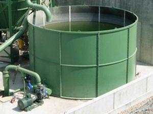 Réservoirs d'eau propre